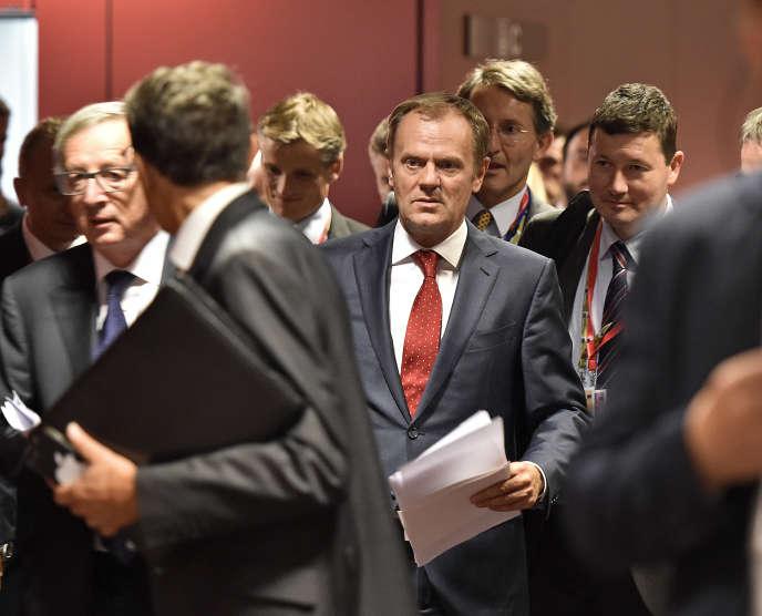 Le président du Conseil européen Donald Tusk (au centre) et le président de la Commission européenne Jean-Claude Juncker (à gauche) à Bruxelles, le 24 septembre.