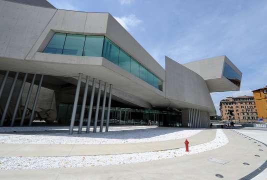 Le MAXXI, le Musée national des arts du XXIe siècle à Rome, réalisé par Zaha Hadid.
