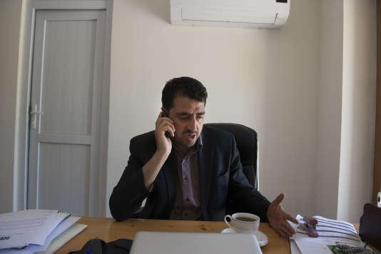 Waheed Wafa, après des études aux Etats-Unis, s'est réinstallé en Afghanistan avec sa femme et sa fille.