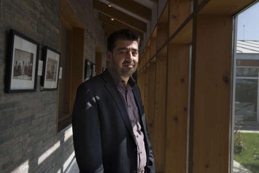 """Waheed Wafa est un ancien journaliste au bureau du """"New York Times"""" à Kaboul ; il est le directeur gestion du centre de recherche ACKU à l'université de Kaboul."""