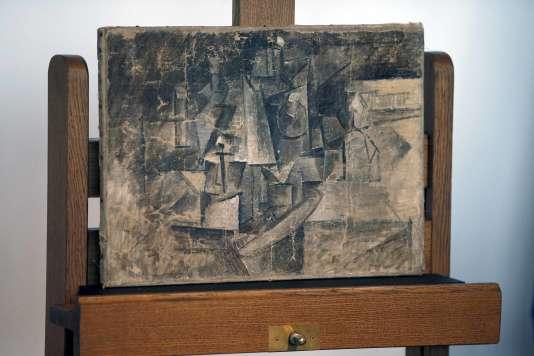 «La Coiffeuse», de Picasso, présentée lors de la cérémonie de restitution au Musée national d'art moderne, au Centre Pompidou, le 24 septembre 2015.