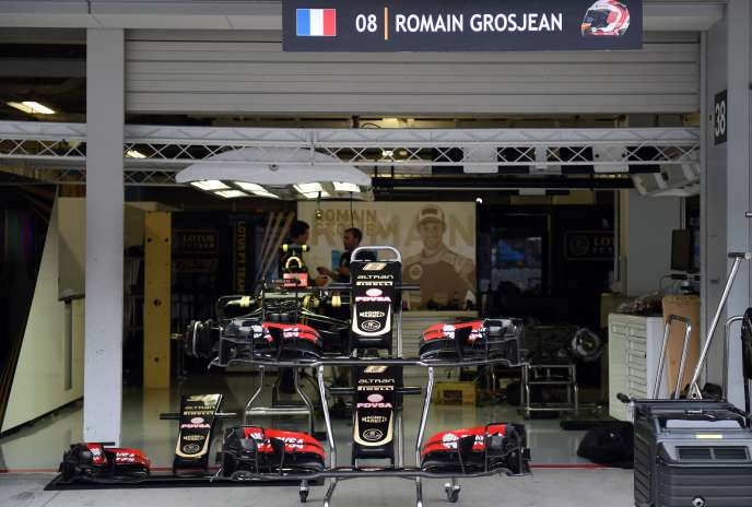 La Lotus du Français Romain Grosjean, à Suzuka, le 24 septembre 2015.