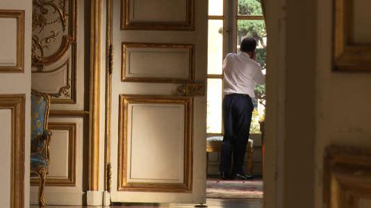 """François Hollande dans """"A l'Elysée, un temps de président"""" d'Yves Jeuland"""