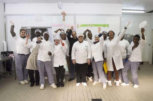 « Baluchon, mon dîner maison », entreprise  d'insertion de production et de distribution de plats cuisinés à partir de produits frais, implantée au cœur de la cité Marcel Cachin de Romainville, favorise l'emploi de proximité.