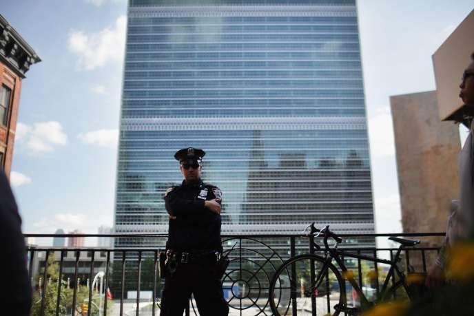 Le siège des Nations unies, à New York.  les « Objectifs du développement durable » (ODD) sont soumis à l'approbation de l'Assemblée générale des Nations unies, vendredi 25 septembre.