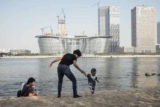 Les tours  de Yujiapu,  le quartier d'affaires flambant neuf de Tianjin, sont l'incarnation à l'extrême de l'urbanisation pensée par  le haut.