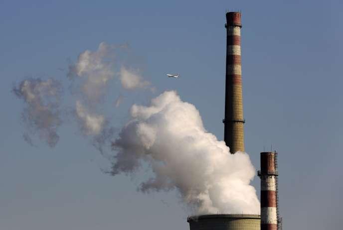 Une centrale au charbon à Pékin, le 13 novembre 2014.