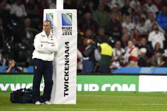 Stuart Lancaster, le coach anglais, après sa défaite face au pays de Galles, à Twickenham, samedi 26 septembre.
