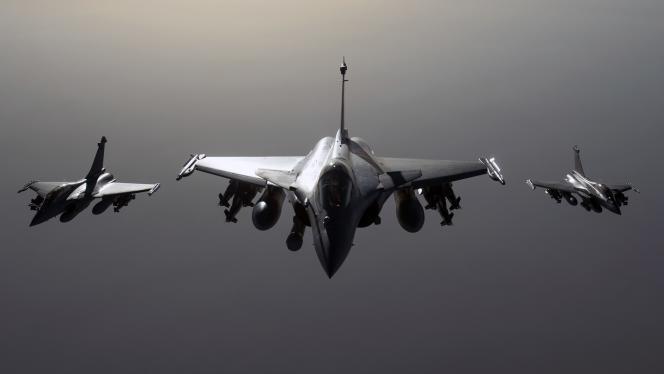 Des avions de combat Rafale en vol en direction de la Syrie, le 27septembre2015.