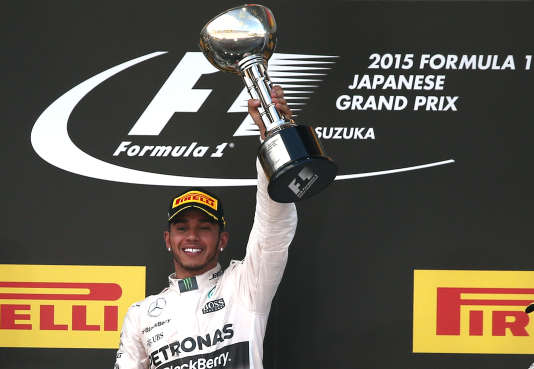 Le pilote britannique a remporté dimanche sa 41e victoire en formule 1, égalant le nombre de victoires du pilote brésilien, triple champion du monde avant sa mort en 1994.