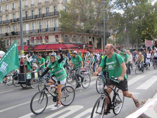 Txetx, syndicaliste basque (à droite sur la photo), est à l'origine du projet d'Alternatiba, après l'échec de la conférence sur le climat de Copenhague, en 2009.
