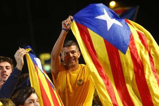 Les partis indépendantistes ont obtenu la majorité des sièges au Parlement régional catalan, réunissant 47,8 % des voix.