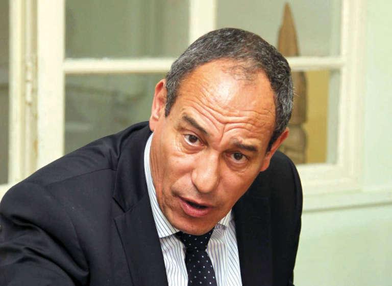 Hichem Aboud, ex-directeur de deux quotidiens interdits depuis juin 2013, Jaridati (arabophone) et Mon Journal (francophone). C'est son départ d'Algérie qui a valu à Abdessami Abdelhaï de passer plus de deux ans en prison.