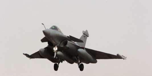 La France a mené ses premières frappes aériennes en Syrie.