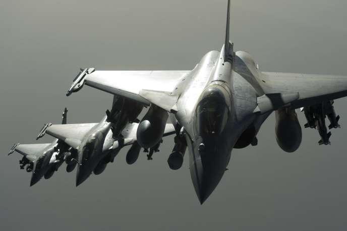 Des avions Rafale de l'armée française en vol durant une opération en Syrie le 27 septembre 2015.