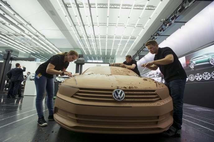 Onze millions de véhicules diesel du groupe automobile Wolkswagen disposaient d'un logiciel de trucage de leurs émissions polluantes.