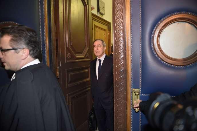 L'ancien ministre de l'intérieur Claude Guéant est jugé, depuis lundi, pour « complicité de détournement de fonds publics et recel ».