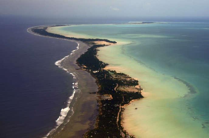 Vue de l'atoll de Tarawa au décollage.
