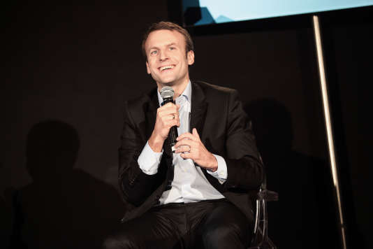 Le ministre de l'économie, Emmanuel Macron, lors de la conversation animée par Arnaud Leparmentier lors du Monde Festival à l'Opera Garnier le dimanche 27 septembre.