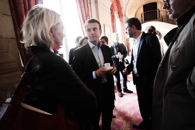 Emmanuel Macron à l'Opéra Garnier à Paris après la conférence tenue dans le cadre du Monde Festival, le 27 septembre.