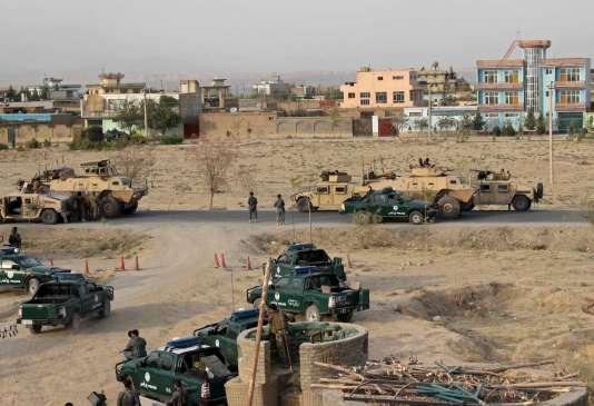 Les forces afghanes prennent position à Kunduz, le 29 septembre 2015.