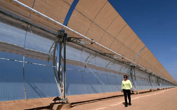 Une centrale solaire près de Ouarzazate en octobre 2014.