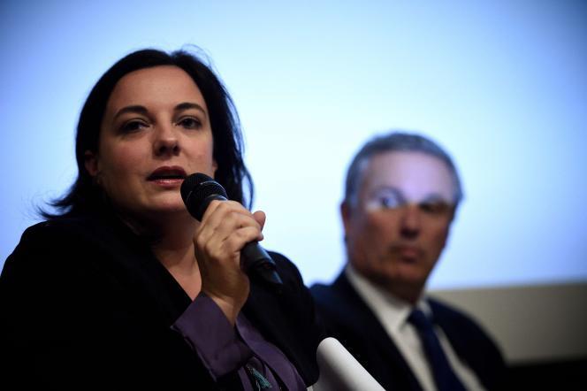 Emmanuelle Cosse, candidate EELV en Ile de France, refuse toute alliance avec le Parti socialiste au premier tour. Mais déplore le manque d'unité face au Front national, notamment en Nord-Pas-de-Calais-Picardie.