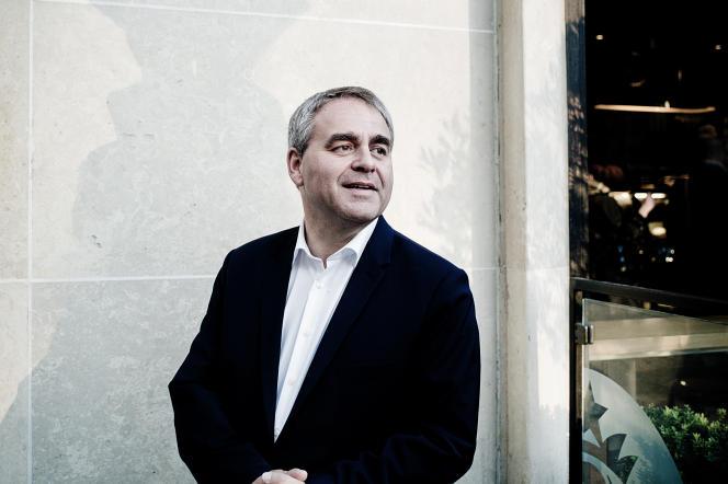 Portrait de Xavier Bertrand à Paris, le 28 septembre 2015.