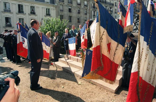 Le président de la République Jacques Chirac le 16 juillet 1995,lors des cérémonies commémoratives de la rafle du Vel d'Hiv le 16 juillet 1942. M. Chirac a reconnu à cette occasion la responsabilité de la France dans la déportation des juifs durant la Seconde Guerre Mondiale. Il est le premier chef d'Etat à reconnaître