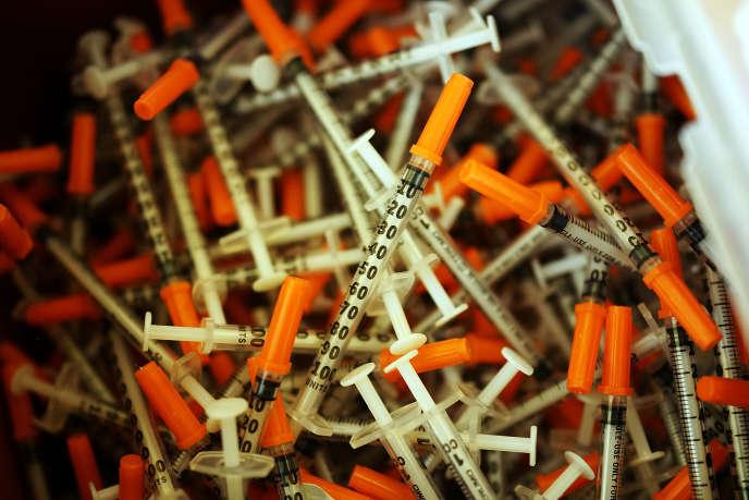 Des seringues utilisées pour s'injecter de l'héroïne par des personnes dépendantes, suivies dans une clinique du Vermont.
