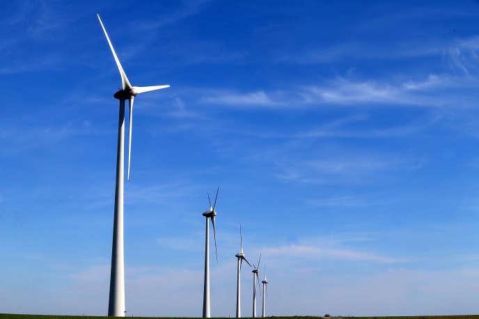 Un parc éolien près de Chartres, en septembre 2015.