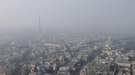 La ville de Paris mise entre autres sur l'autopartage pour réduire les émissions de gaz à effet de serre.