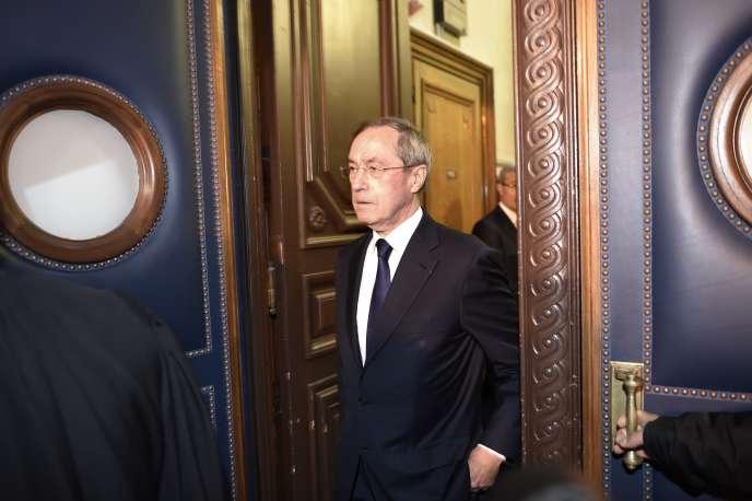L'ancien secrétaire général de l'Elysée Claude Guéant à son arrivée au palais de justice de Paris lundi 28 septembre.