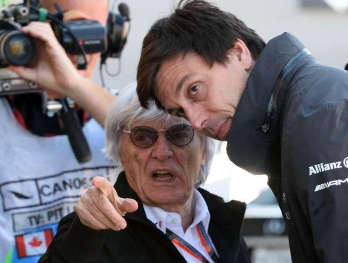 Toto Wolff (à droite) avec Bernie Ecclestone, lors du Grand Prix du Canada, le juin 2015, à Montréal.
