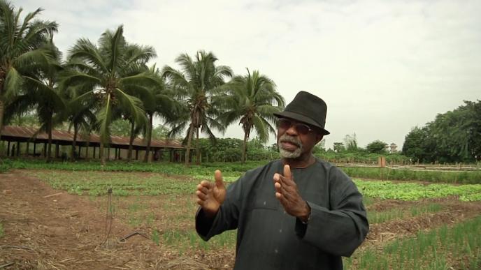 Godfrey Nzamujo, descendant d'esclaves, père dominicain, ingénieur, et fondateur des centres Songhaï qui révolutionnent l'agriculture en Afrique.