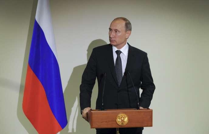 Vladimir Poutine, lors d'une conférence de presse au siège de l'ONU à New York, le 28 septembre 2015.
