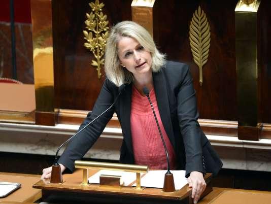 Barbara Pompili a décidé de quitter EELV car elle souhaitait une alliance avec le PC dans la région Nord-Pas-de-Calais-Picardie.