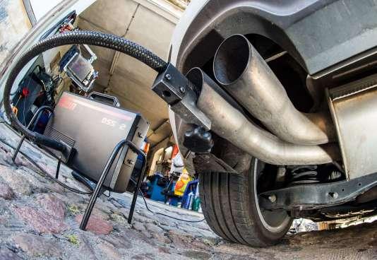 Test de pollution d'un moteur diesel en Allemagne.