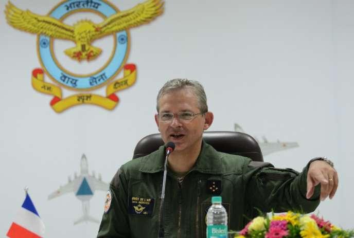 Le général Denis Mercier (ici, en 2014), 56 ans, est devenu commandeur suprême allié pour la transformation, mercredi 30 septembre.