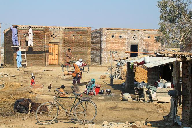 L'ONG Architectes de l'urgence a conçu pour le Pakistan des maisons en brique.