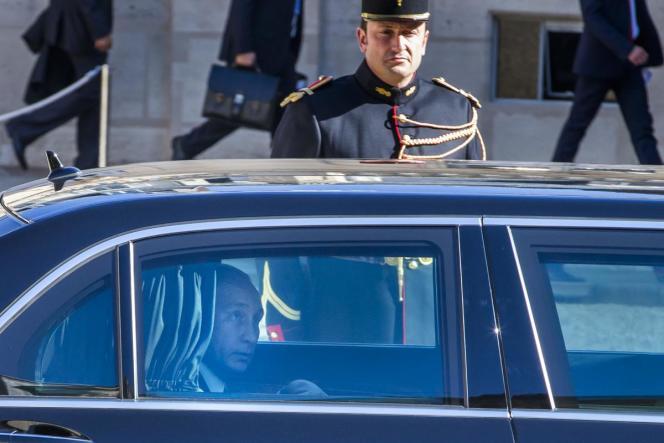 Le président russe, à son arrivée à l'Elysée, le 2 octobre.