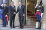 François Hollande accueille Vladimir Poutine à l'occasion d'un sommet sur la situation en Ukraine auu Palais de l'Elysée, le 2 octobre 2015.