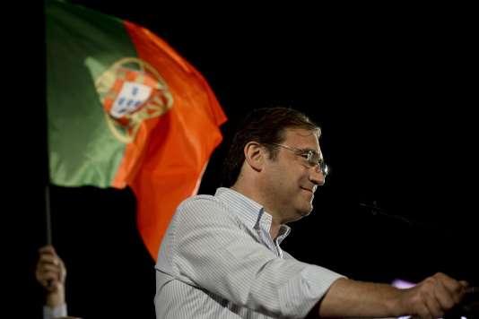 Le président du Parti social-démocrate portugais, Pedro Passos Coelho, lors d'un meeting à Lisbonne le 2 octobre.