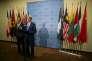 Le secrétaire d'Etat américain, John Kerry, et le ministre russe des affaires étrangères, Sergueï Lavrov, au siège des Nations unies, à New York, le 30 septembre.