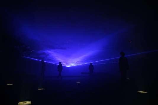 """""""Waterlicht"""", une installation de l'artiste néerlandais  Daan Roosegaarde."""