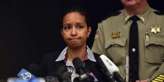 Lors d'une conférence, vendredi 2octobre, Celinez Nunez, de l'agence fédérale chargée de la lutte contre le trafic des armes à feu, a indiqué que  l'auteur de la fusillade dans l'Oregon possédait treize armes.