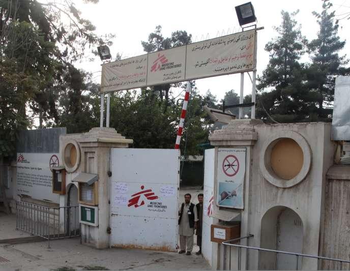 Un hôpital de l'ONG Médecins Sans Frontières (MSF) à Kunduz, en Afghanistan, en octobre. REUTERS/Stringer