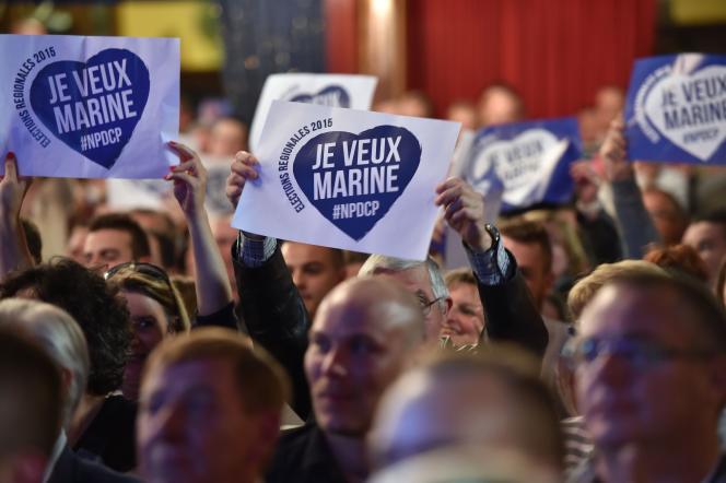 Des sympathisants du FN, lors du discours de Marine Le Pen à Calais (Pas-de-Calais), vendredi 2 octobre.