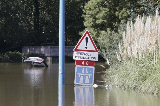 Les pluies diluviennes et les crues soudaines ont causé la mort de 20 personnes, samedi 3 octobre, sur la Côte d'Azur.