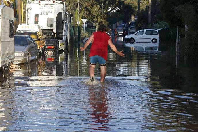 Les inondations qui ont touché les Alpes-Maritimes le 3octobre ont fait vingt morts et de graves dégâts matériels.